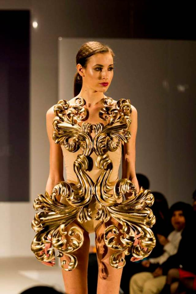 Fast Fashion - 3D Printers Dress Up the Catwalk